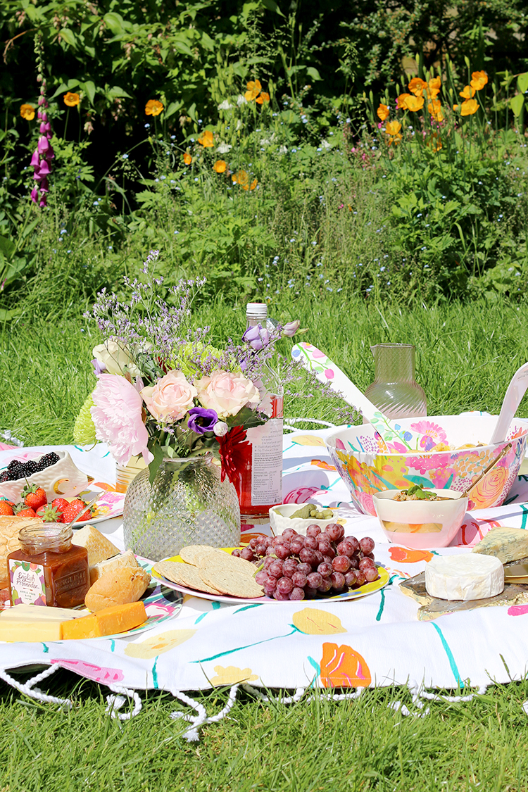 Picnic styling with Anthropologie