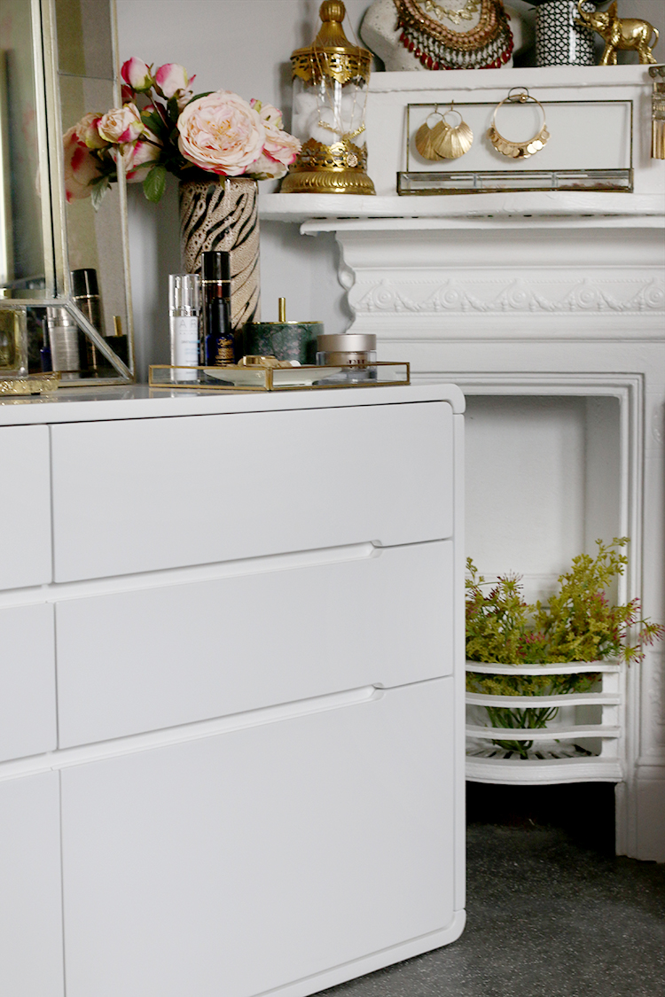 white chest of drawers detail