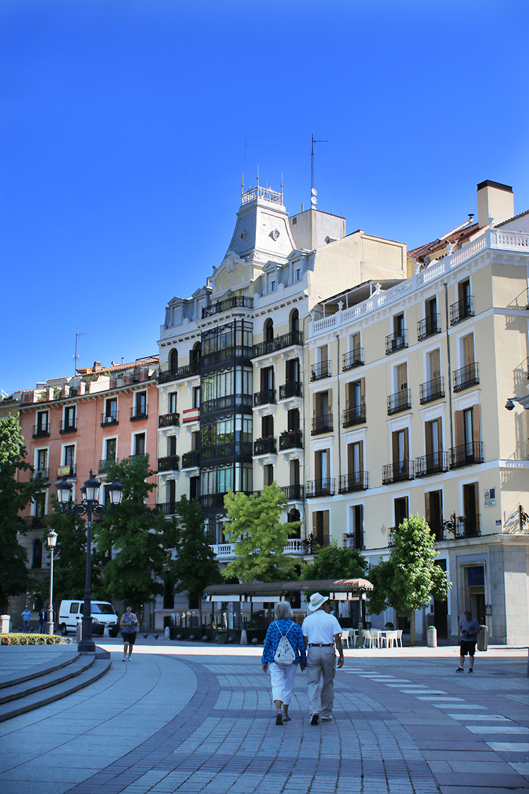 Wandering the beautiful streets of Madrid is the perfect way to spend a couple of hours