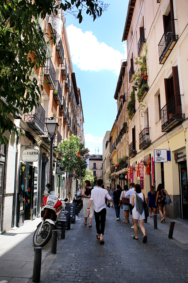 Jetting off for to Spain this summer? Find out how to spend a weekend in Madrid including where to stay, what to see and all of the best places to eat!