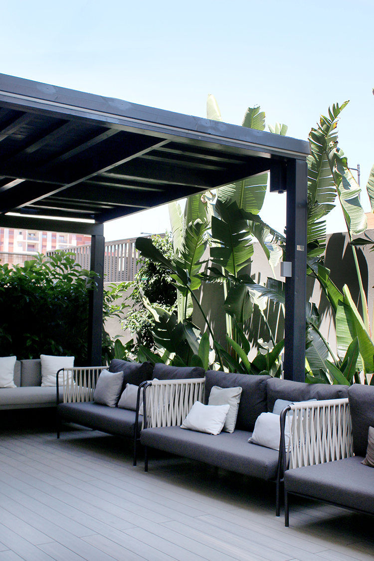 terrace outdoor garden with pergola