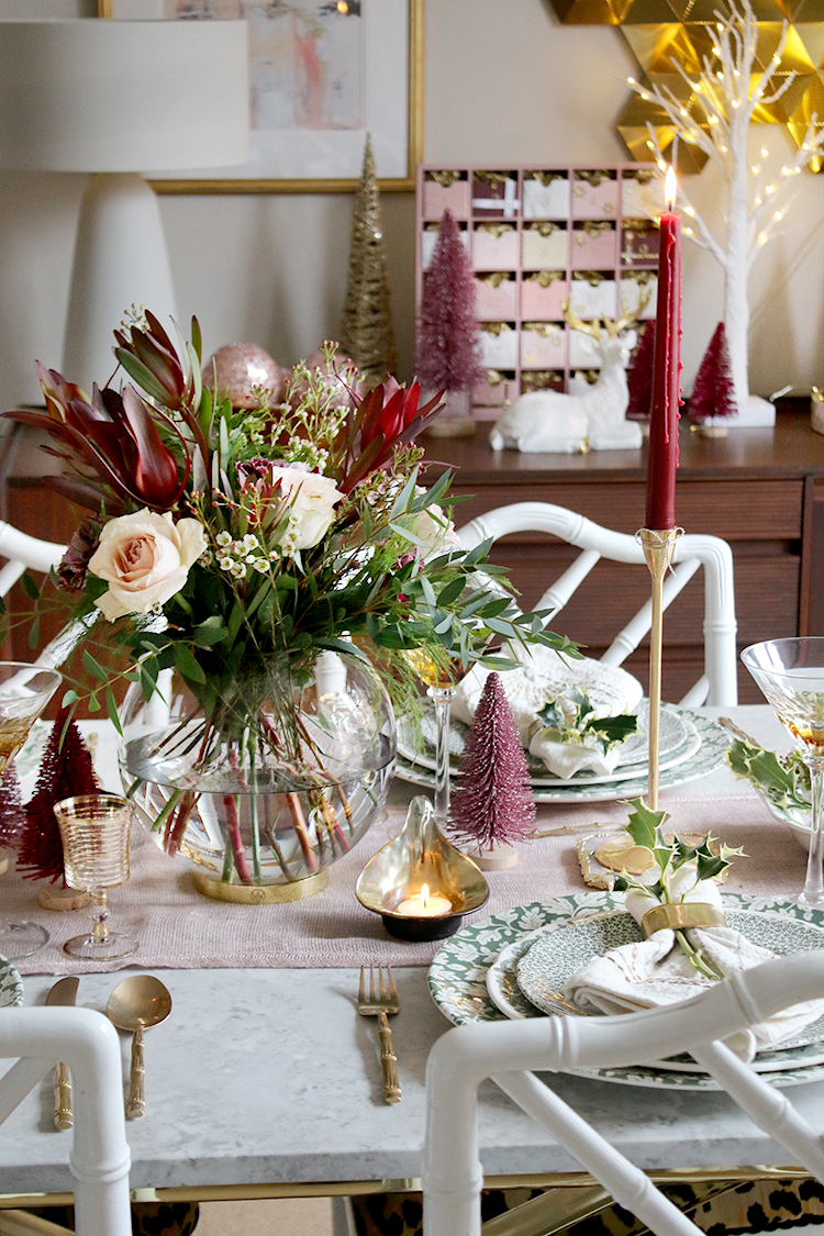 Christmas dinner table setting styling tips and ideas