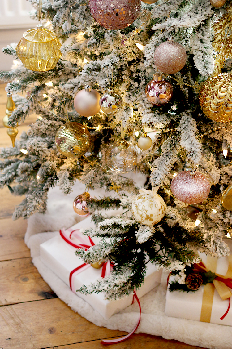 Christmas tree detail in pink gold
