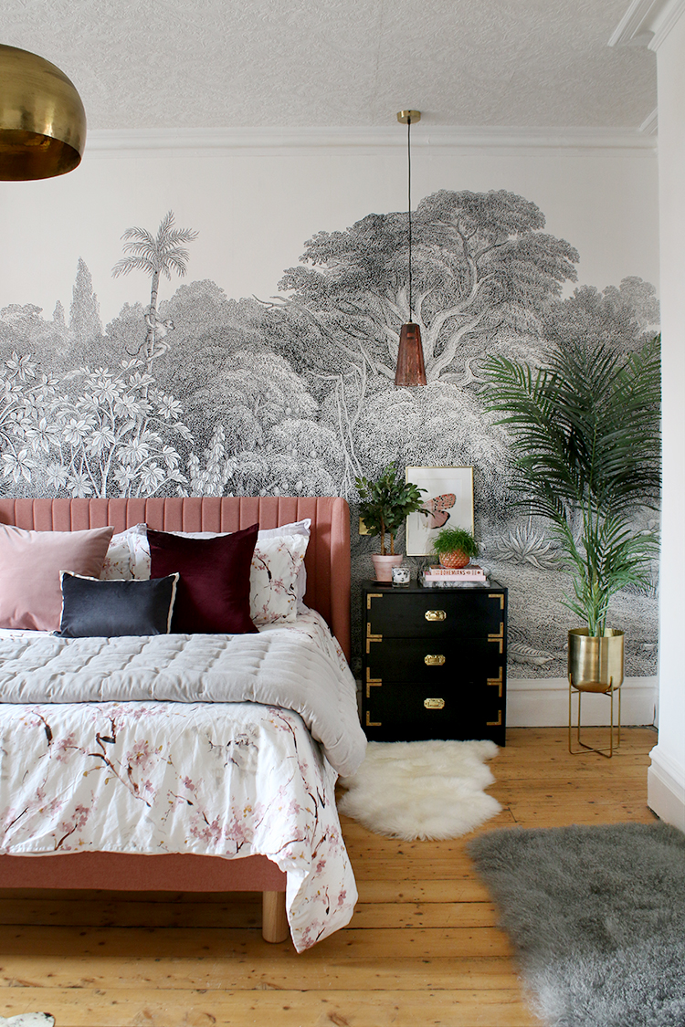 Eclectic boho glam jungle bedroom makeover in black white gold and pink