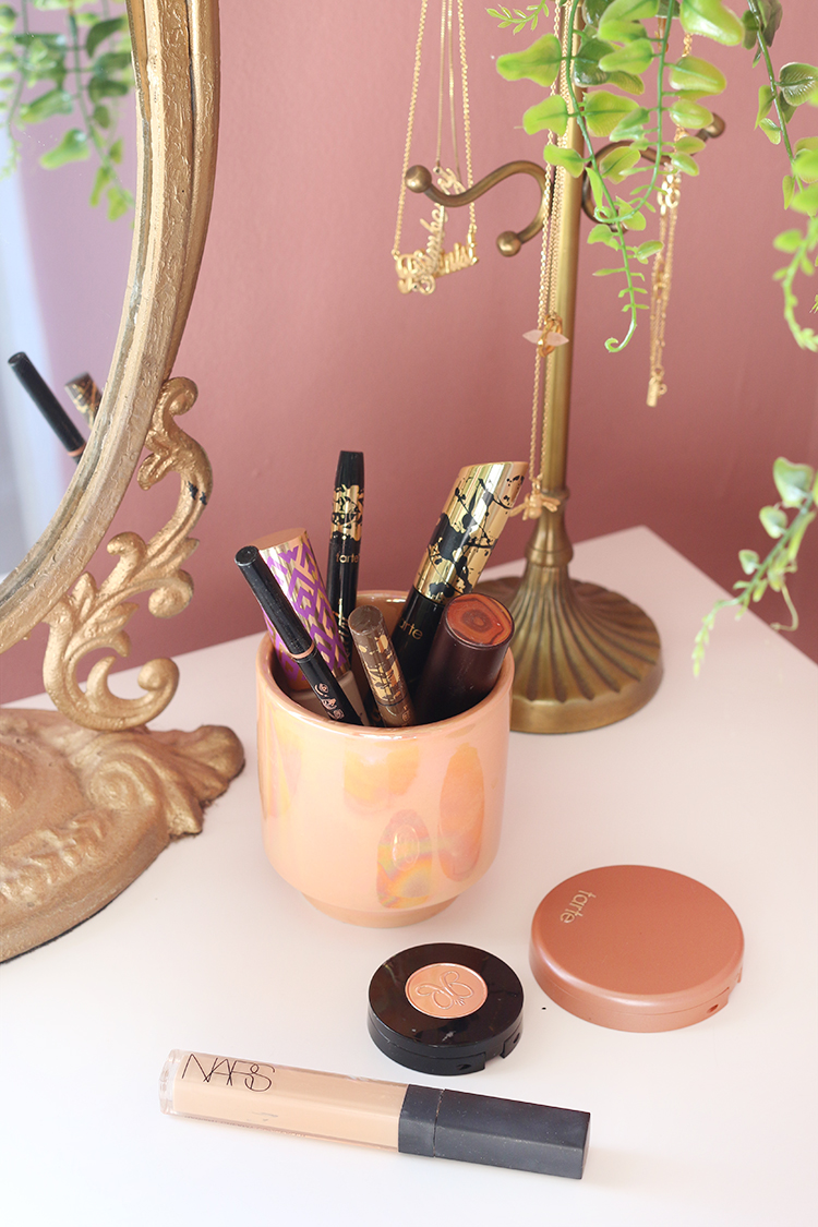 Candle containers used for storing makeup