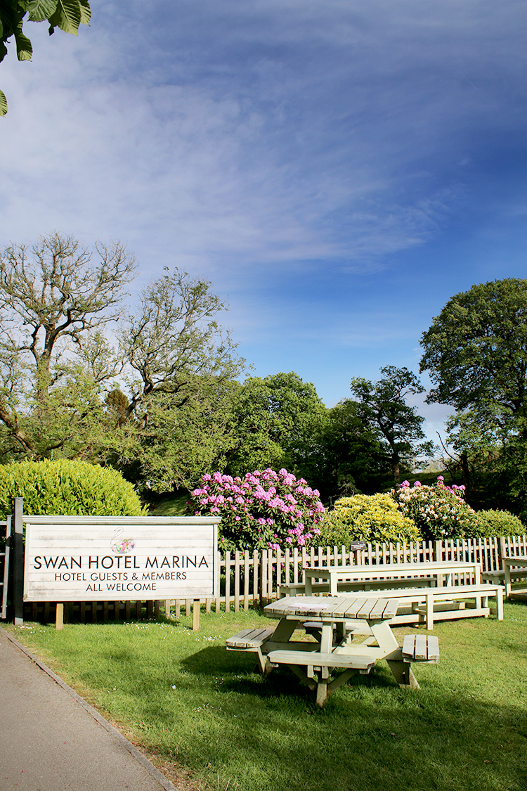 Swan Hotel marina