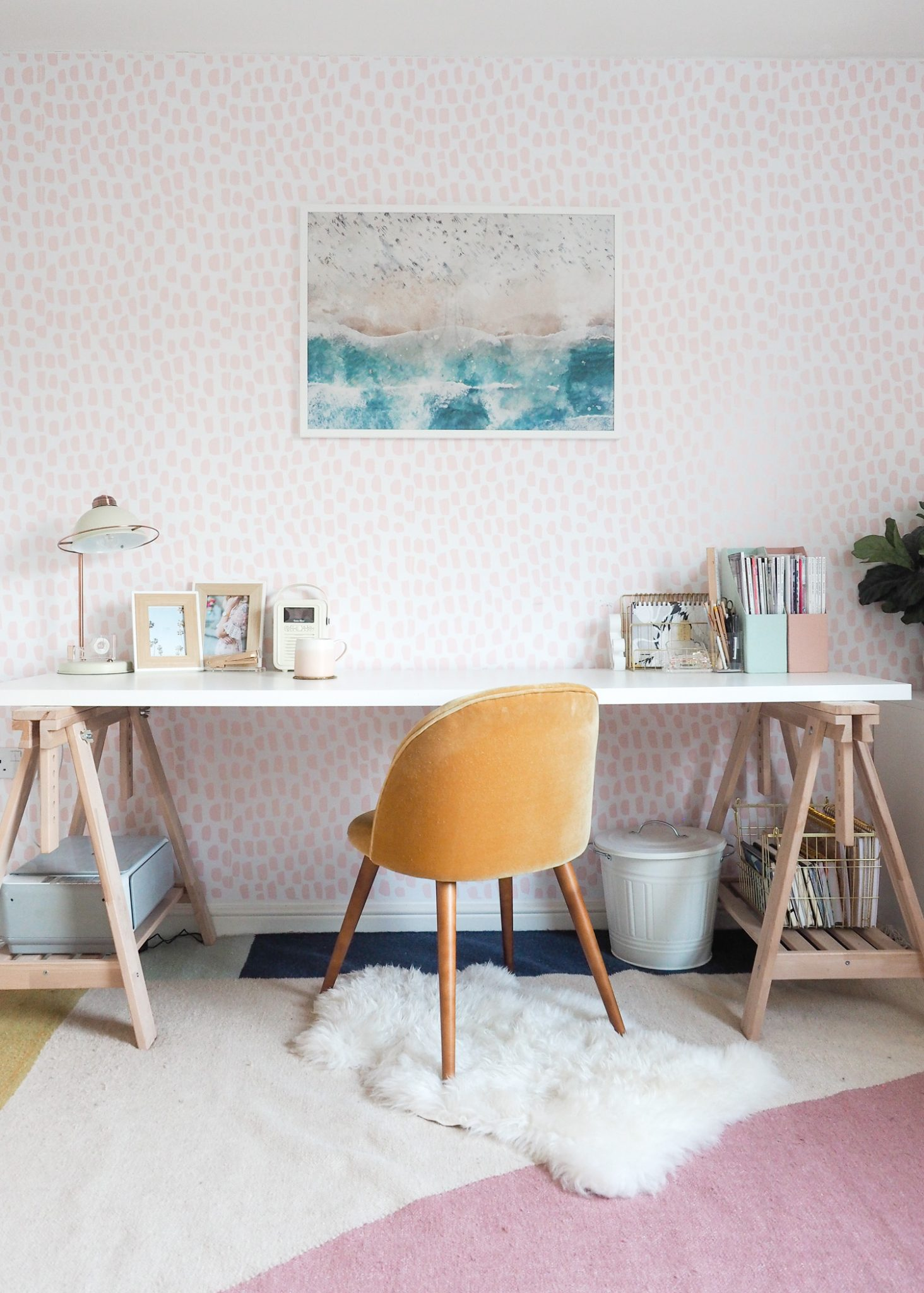 Organised home office - decorating according to your zodiac sign - Aeries