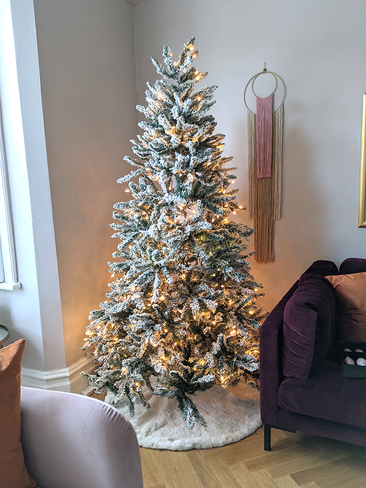 Christmas Tree Styling - Step 1 Fluff & Lights