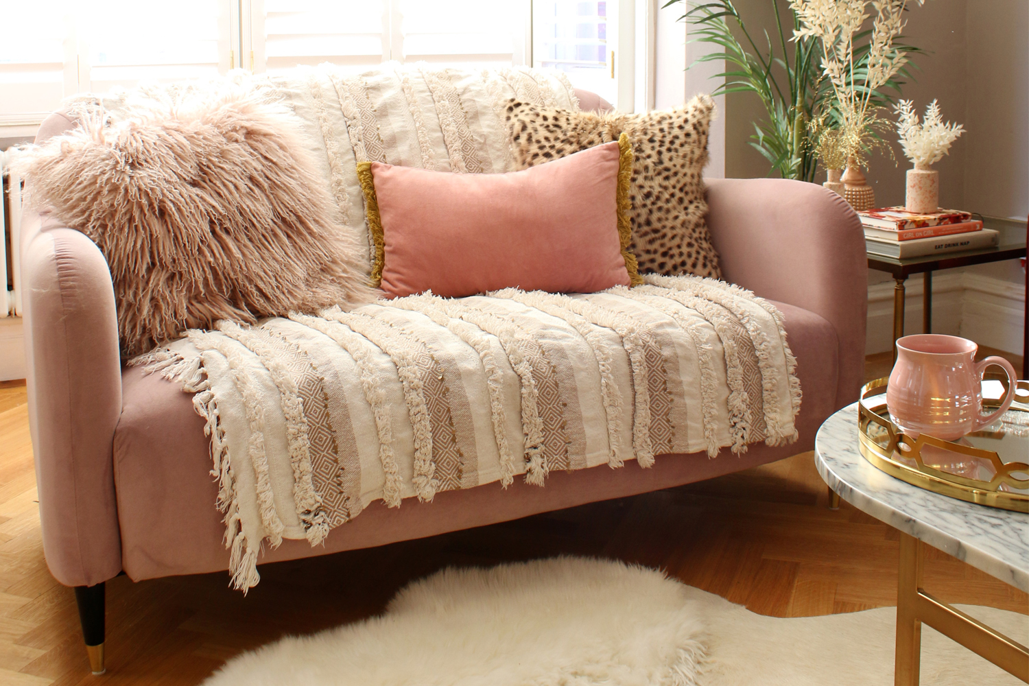 5 Ways To Style A Small Sofa - Swoon Worthy