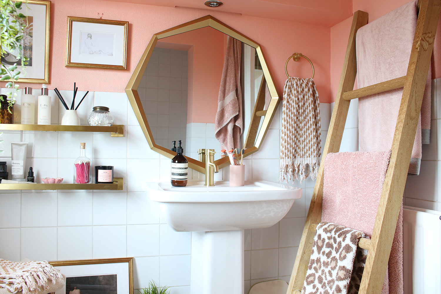 Peach And Gold Bathroom Refresh Phase, What Colours Go With A Peach Bathroom Suite