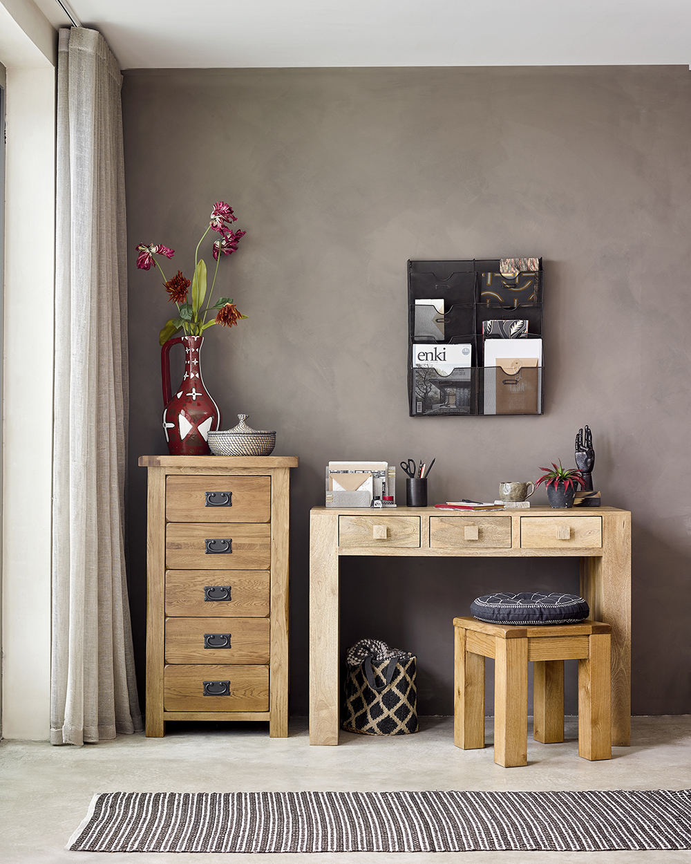 Hardwood furniture buying tips - a home office with natural colours and a wood desk