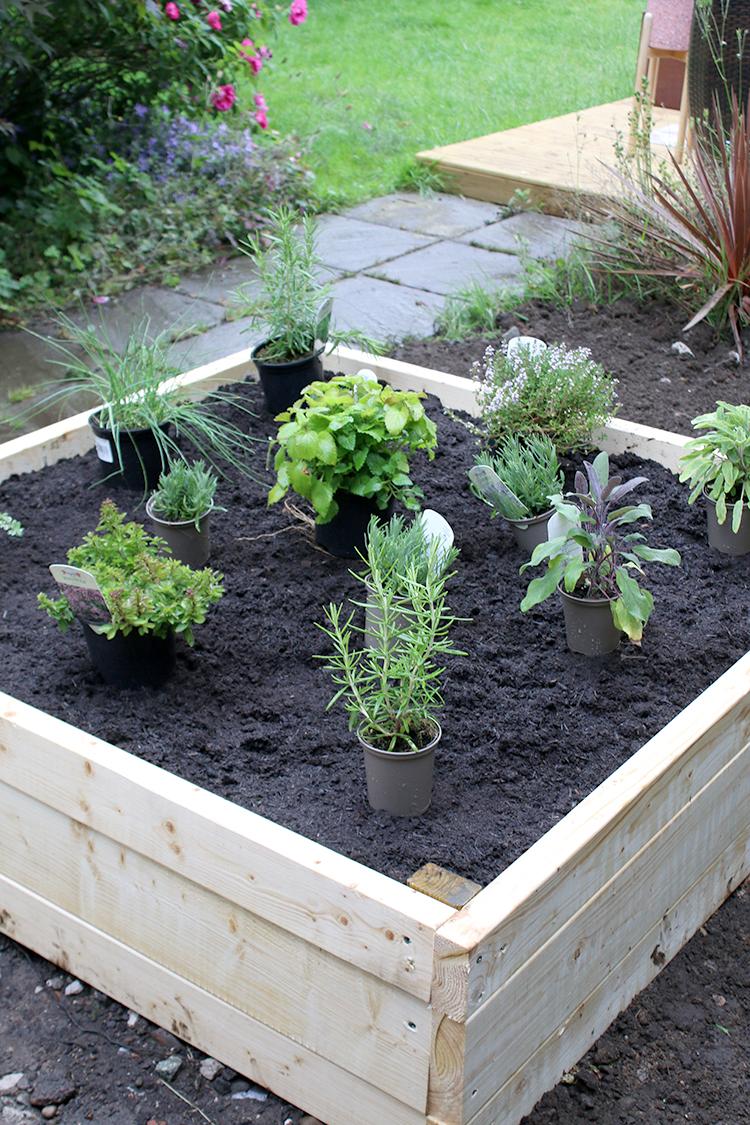 DIY Raised Bed Planter Step 11c
