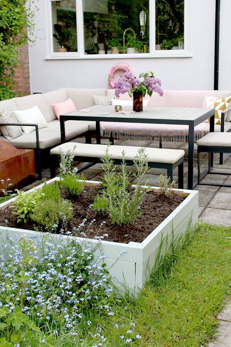making your own outdoor planter