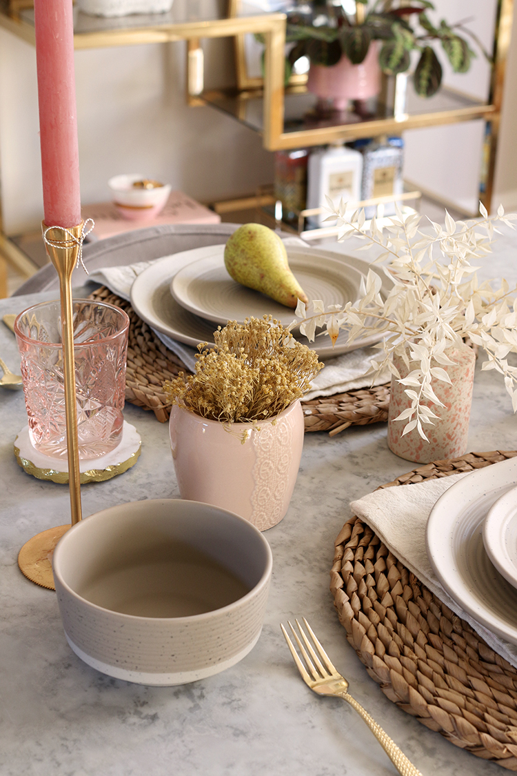 Autumn table setting in pink taupe and gold