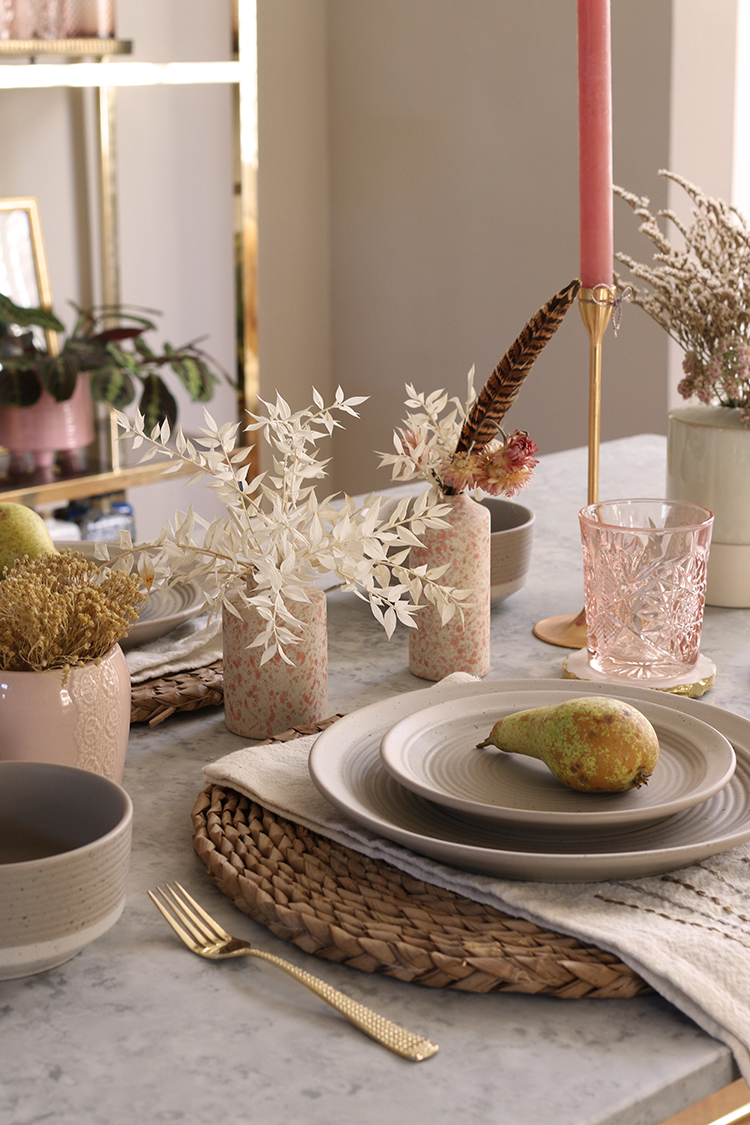 Fall tablescape idea with natural textures and dried flowers