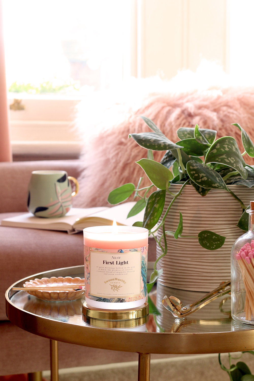 Swoon Worthy Scents peach and gold scented luxury candle