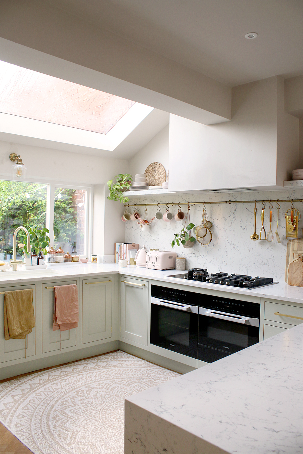 shaker kitchen in mizzle with rooflight